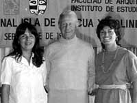 Jo Anne Van Tilburg (right), with Thor Heyerdahl, and Patricia Vargas Casanova at the Premier Congreso Isla de Pascua y Polinesia Oriental. <br />©1984 EISP/JVT/ Photo: D. C. Ochsner