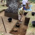 Darío Icka Paoa excavating Unit 157.