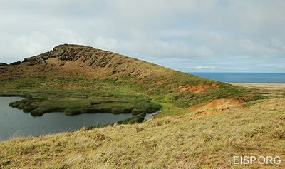 Interior of Rano Raraku crater. Photo: H. Debey/JVT