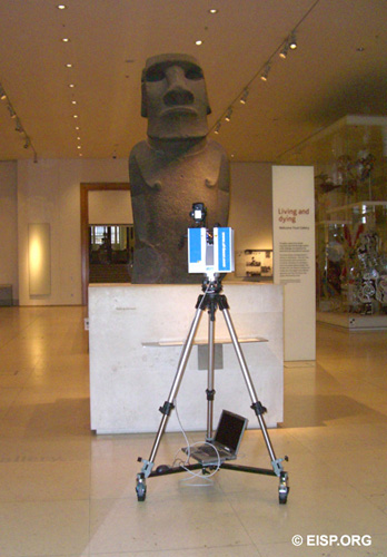 Laser scannning Hoa Hakananai'a at the British Museum. Photo by J. Van Tilburg.