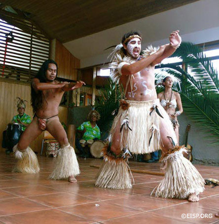 Rapanui dancers. Photo by Jaine Sanchez/EISP.