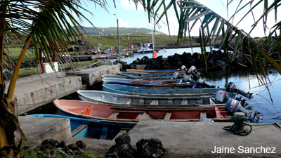 Fishing boats at Hanga Piko. Photo by Jaine Sanchez.