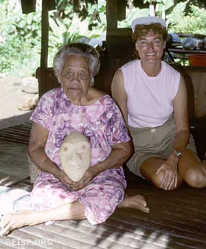 Jo Anne Van Tilburg and an elder of the Babelblai family of Ngiwal. ©1987 EISP/JVT/ Photo: D. C. Ochsner