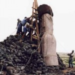Rafael Rapu (right) supervising the raising of our replica statue on the ahu he built at Rano Raraku. ©1998 EISP/JVT/Photo: J. Van Tilburg.